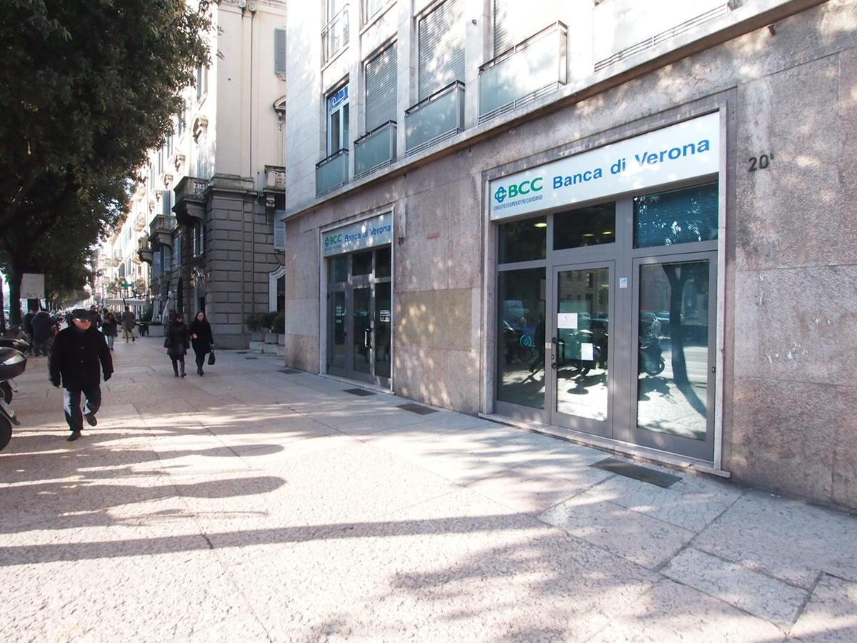 Negozio in affitto Corso Porta Nuova