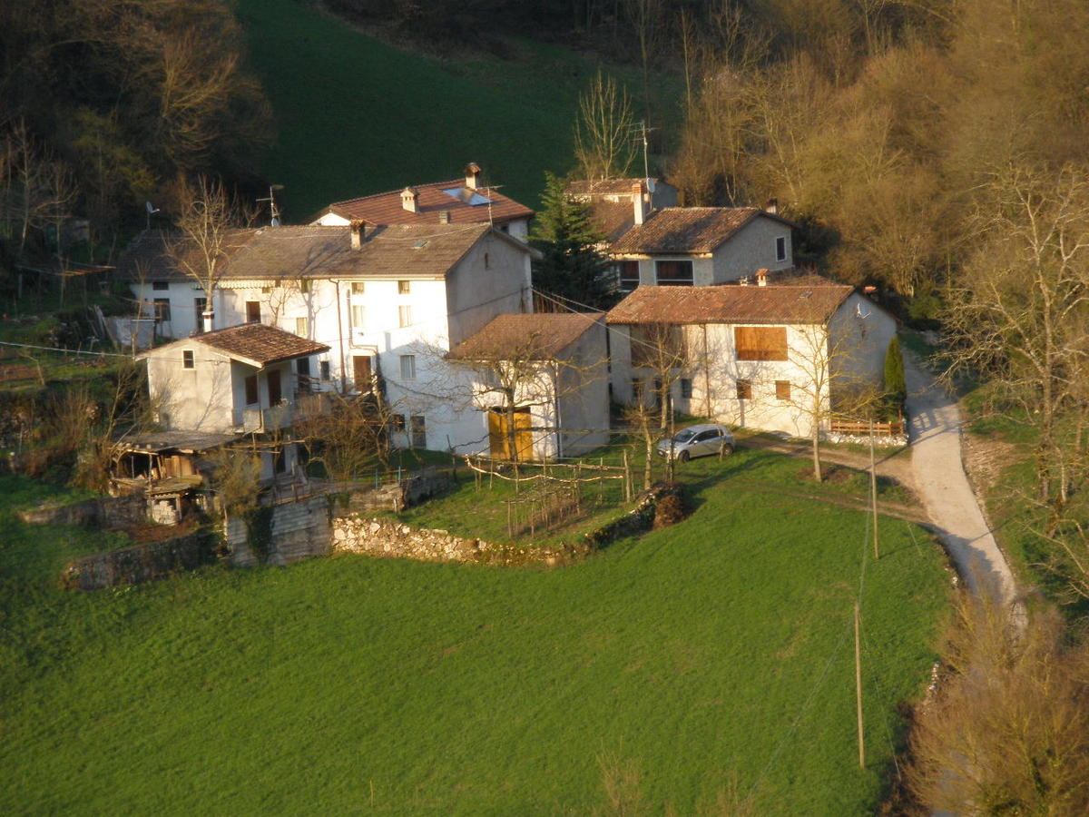 Casa in corte a Badia Calavena - 10