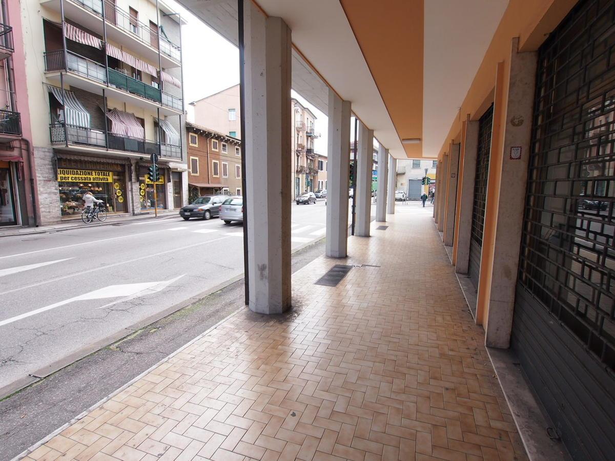 Negozio  in Affitto Verona Borgo Roma - Gabetti Verona Centro - MEDIA.RE