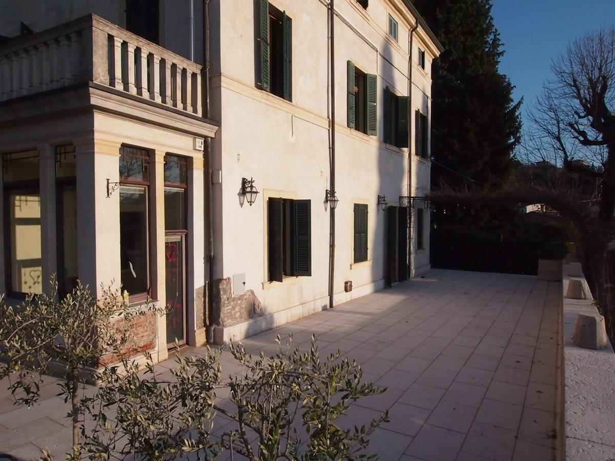 Appartamento di lusso in affitto a verona borgo venezia for Piani di case di lusso
