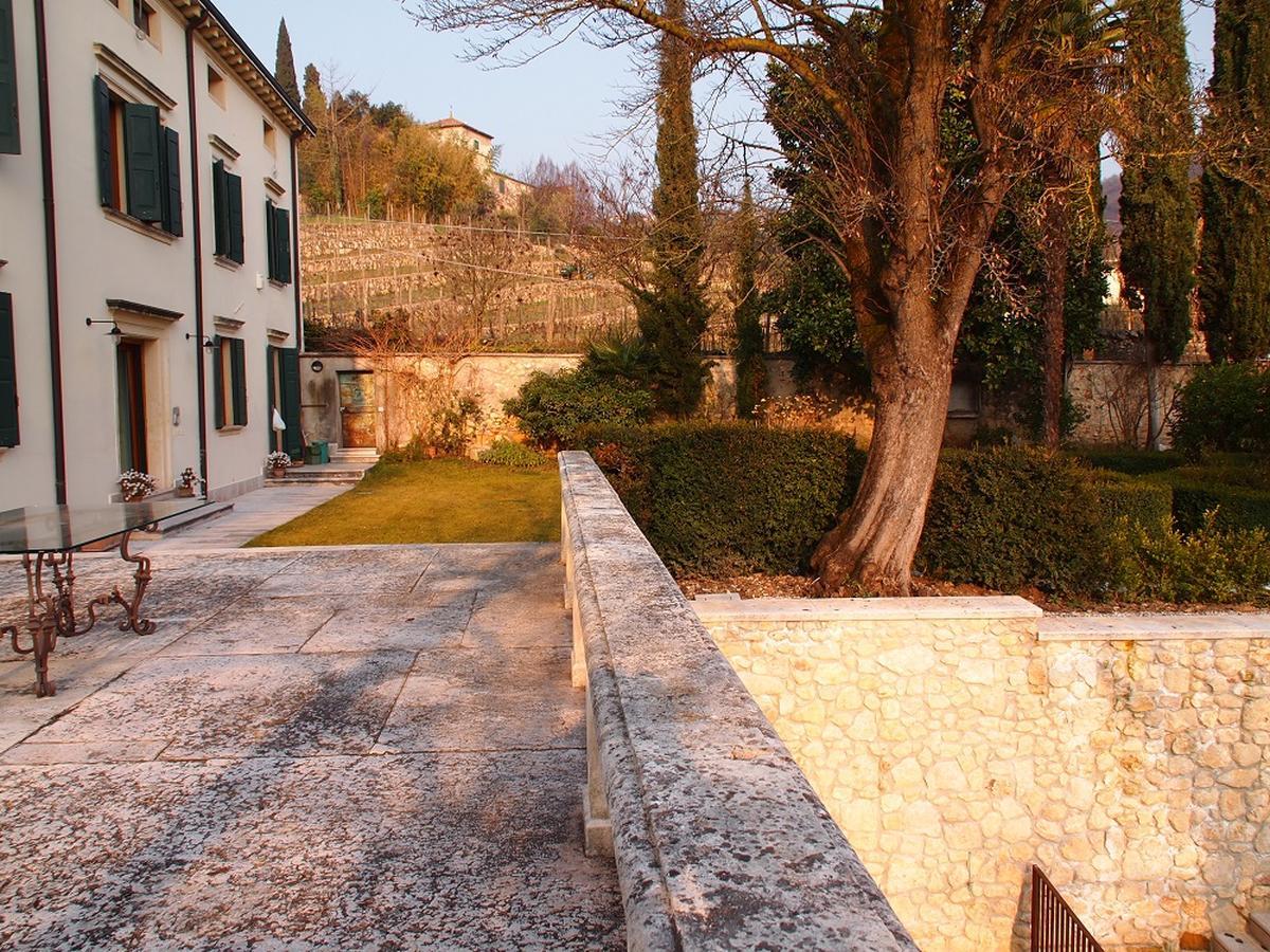 Valpolicella, Loc. Arbizzano, meravigliosa villa singola, restaurata, con parco  - 0