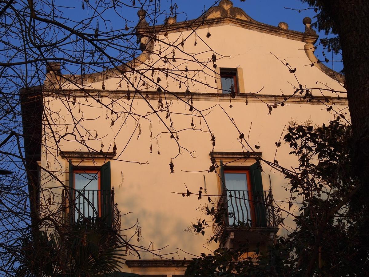 Valpolicella, Loc. Arbizzano, meravigliosa villa singola, restaurata, con parco  - 2