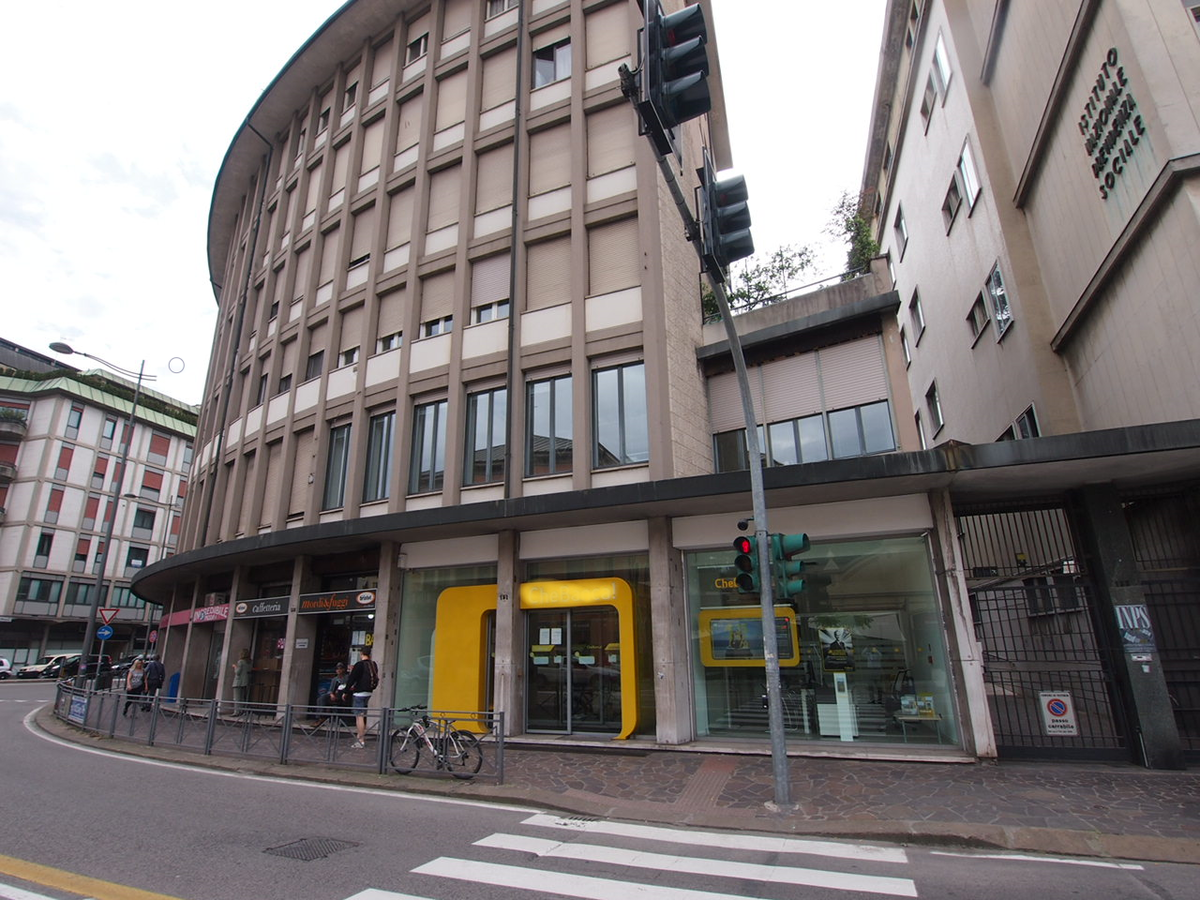 Negozio e uffici con ampia visibilità in affitto a Vicenza - 2