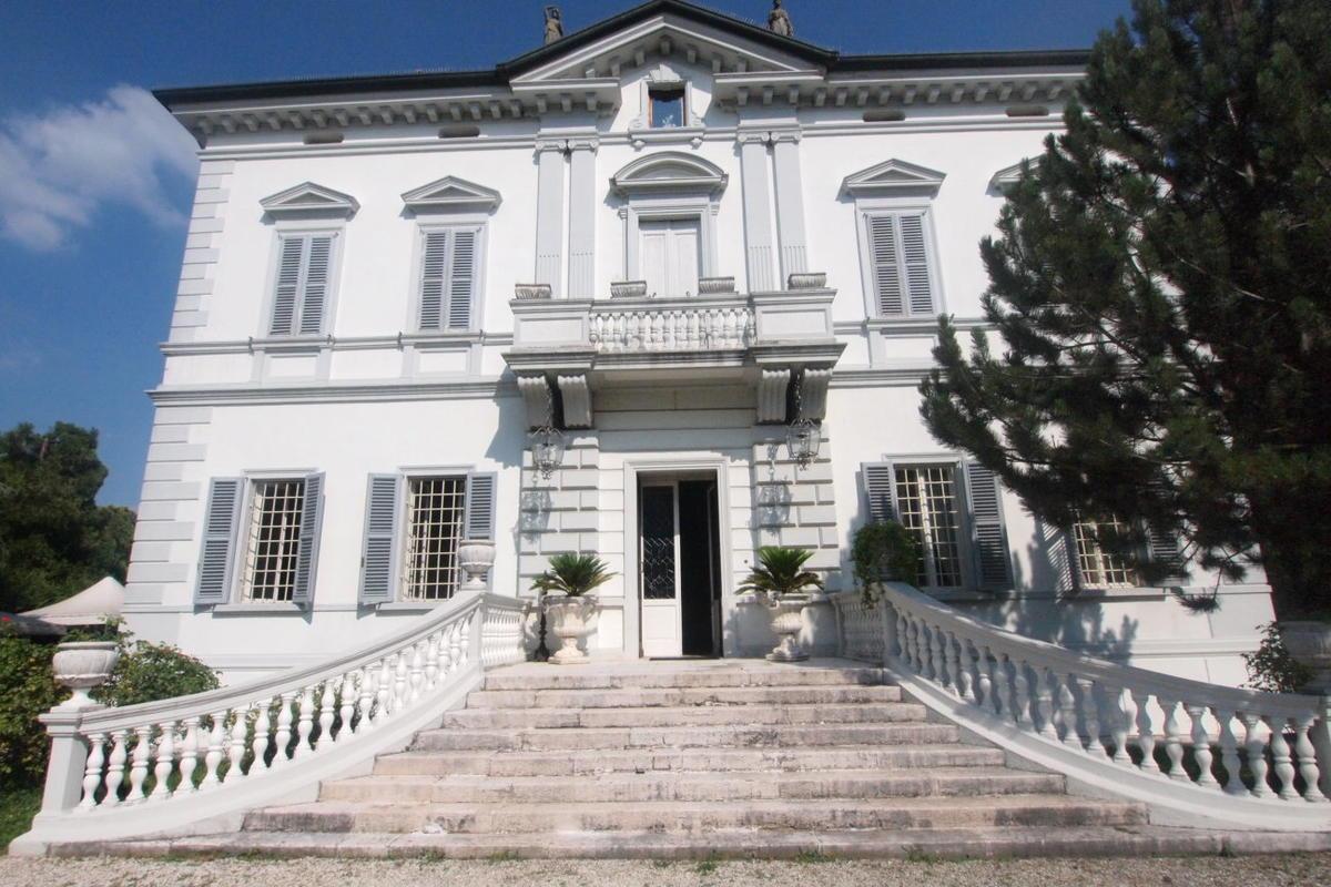 Villa storica a Vigasio - 1