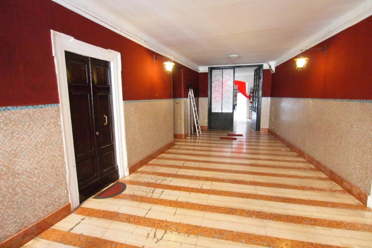 Appartamento all'ultimo piano in vendita, centro storico Verona - 2