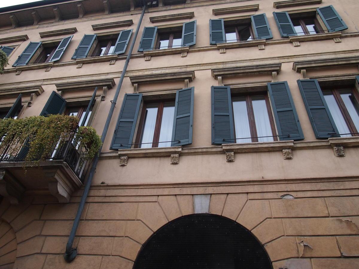 Ufficio vetrinato in affitto a Verona Corso Porta Nuova - 2