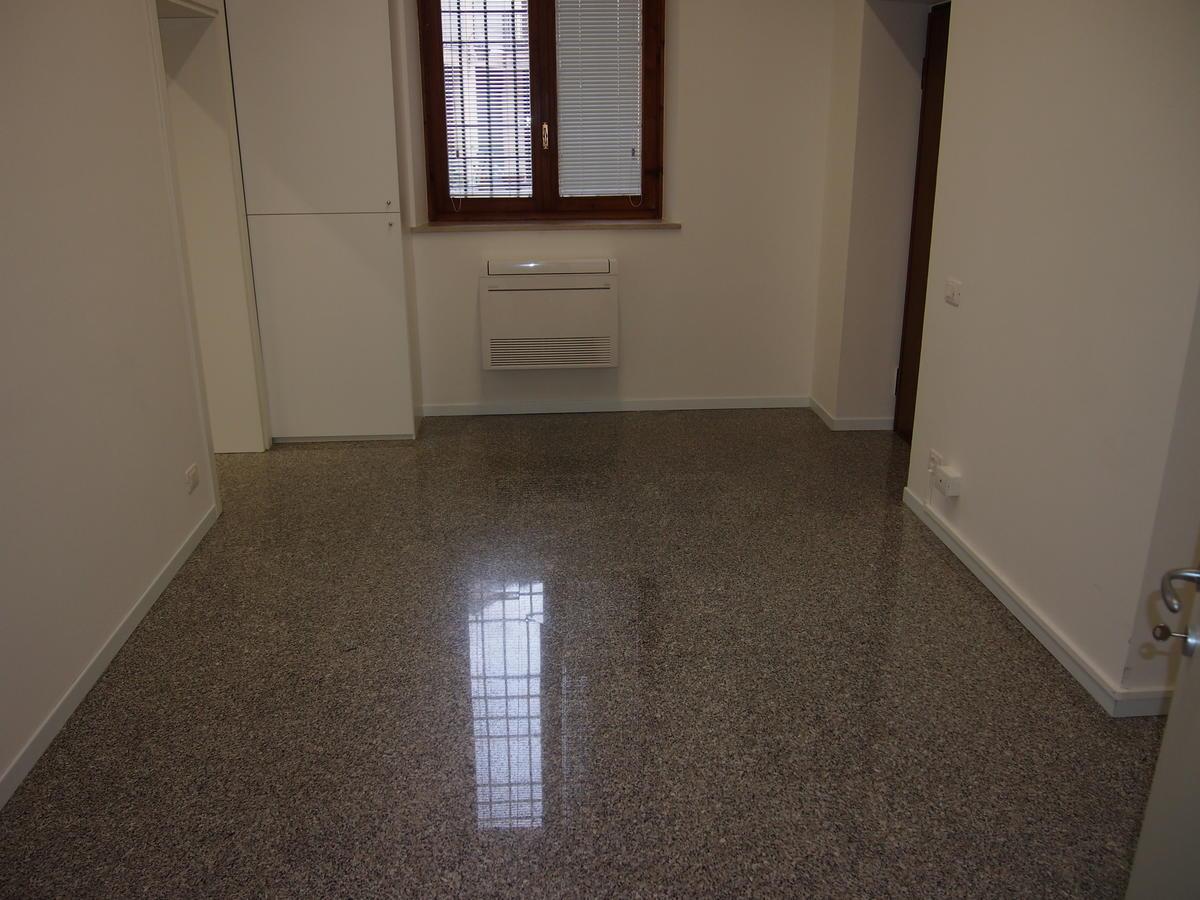 Ufficio vetrinato in affitto a Verona Corso Porta Nuova - 20