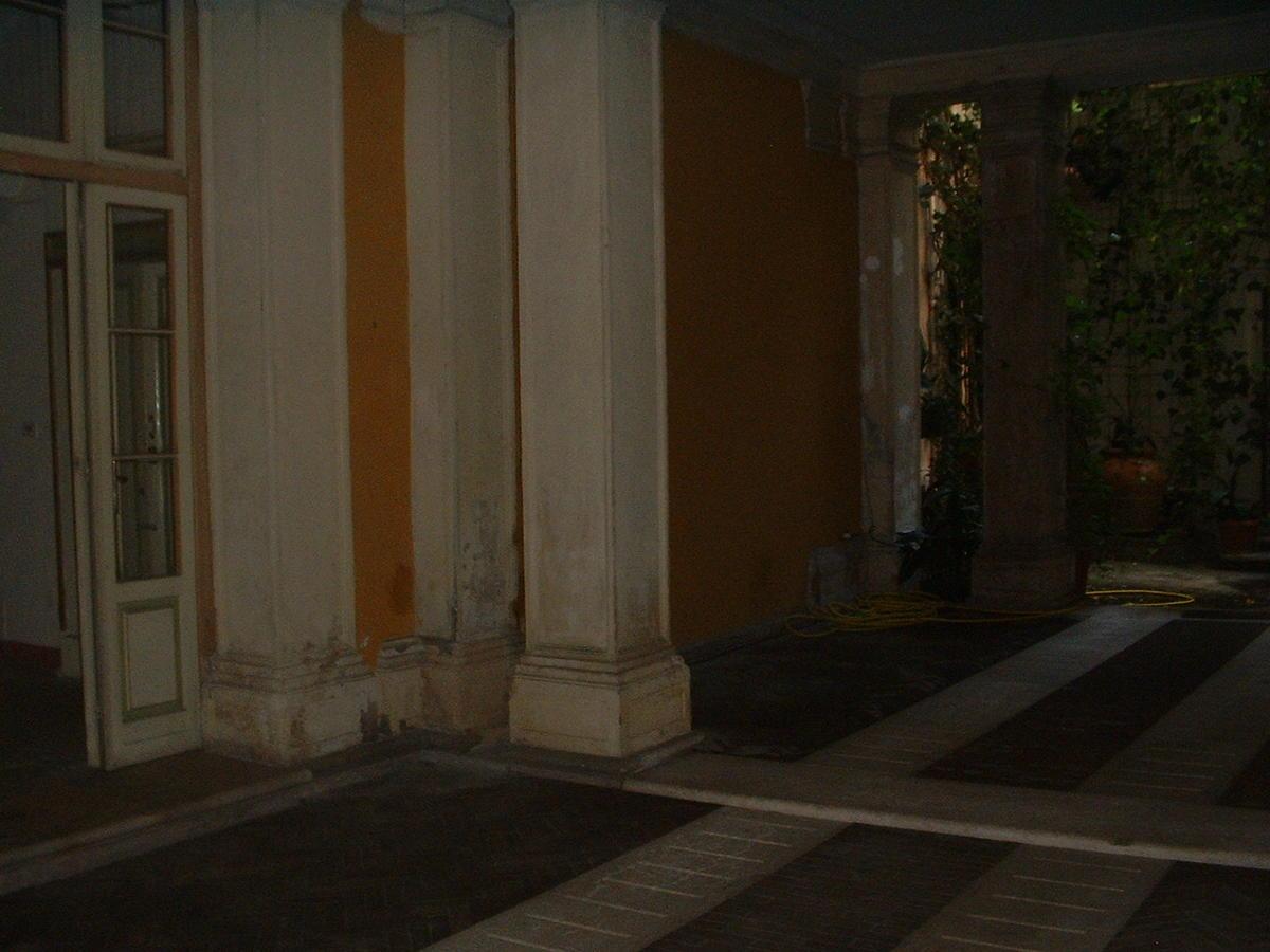 Verona, intero palazzo in vendita in centro - 6