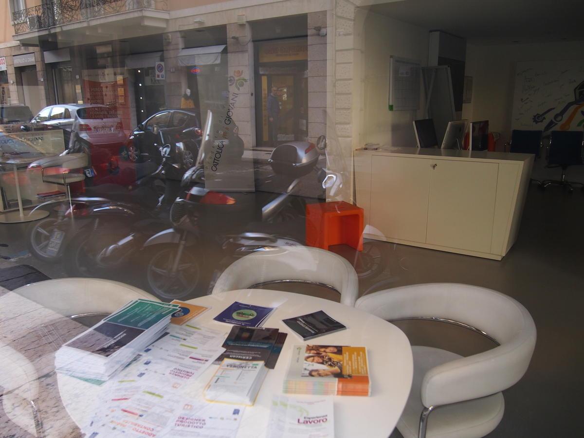Verona, in centro, negozio in affitto - 3