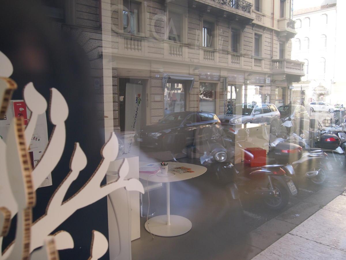 Verona, in centro, negozio in affitto - 6