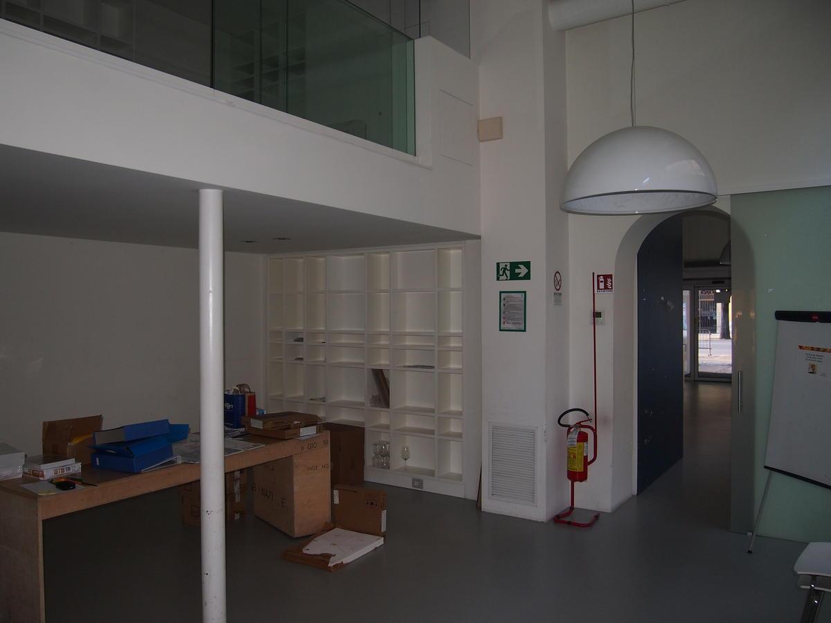 Verona, in centro, negozio in affitto - 19
