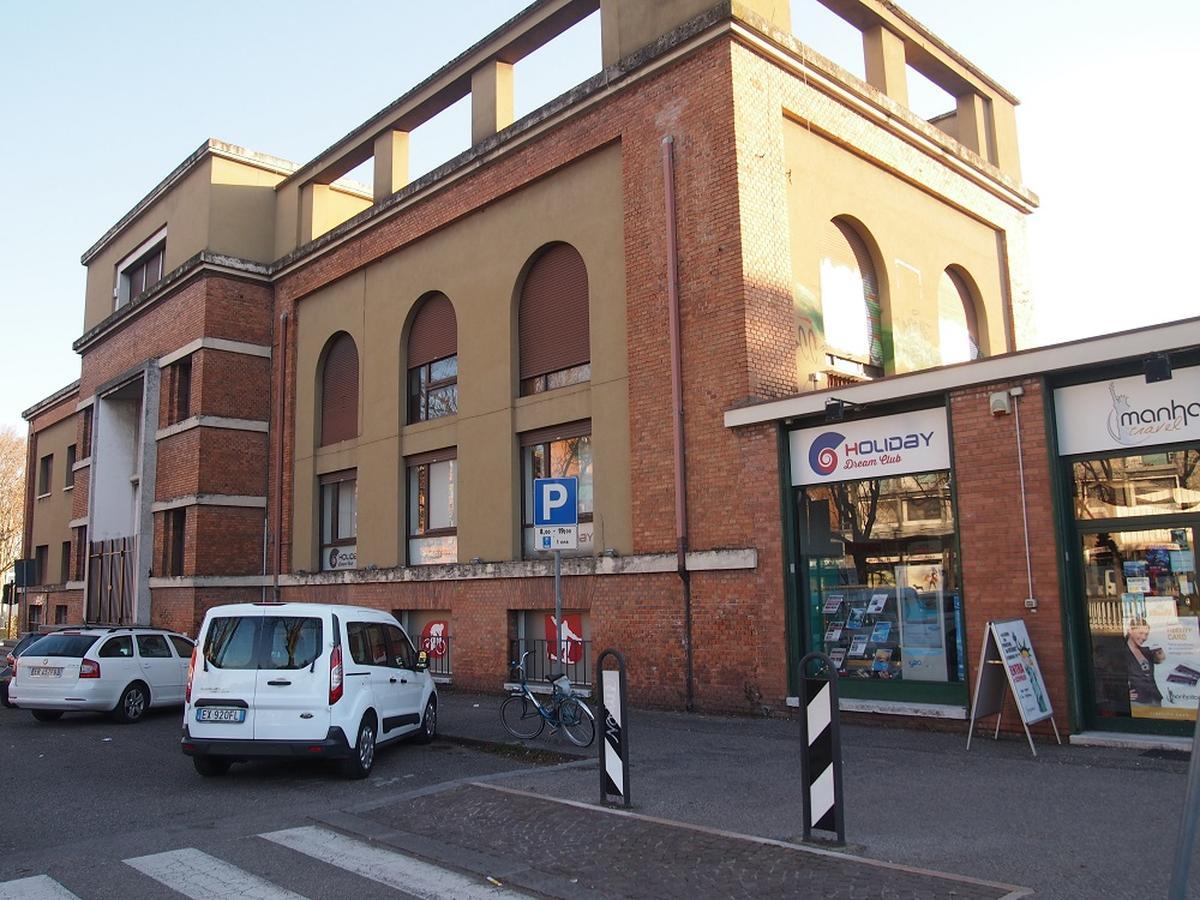 Verona, intero palazzetto in vendita - 3