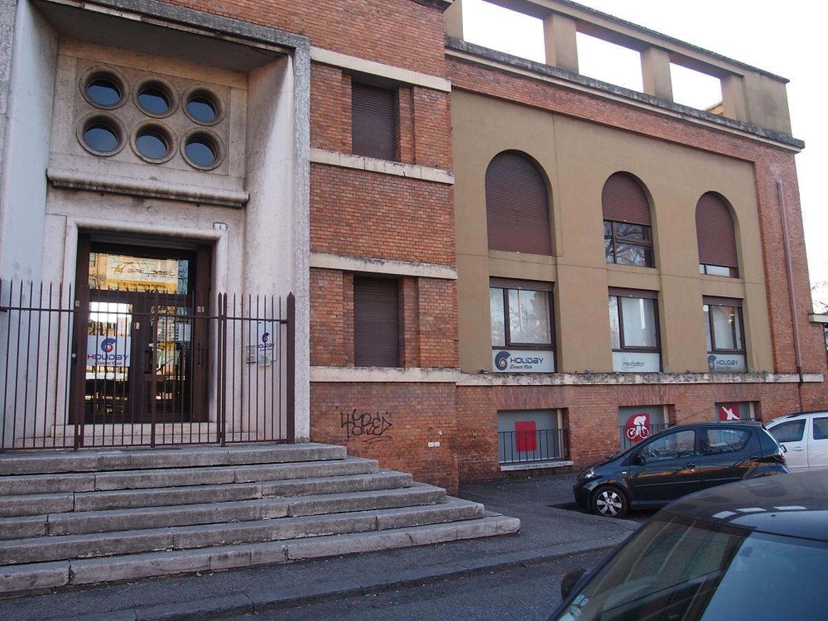 Verona, intero palazzetto in vendita - 1