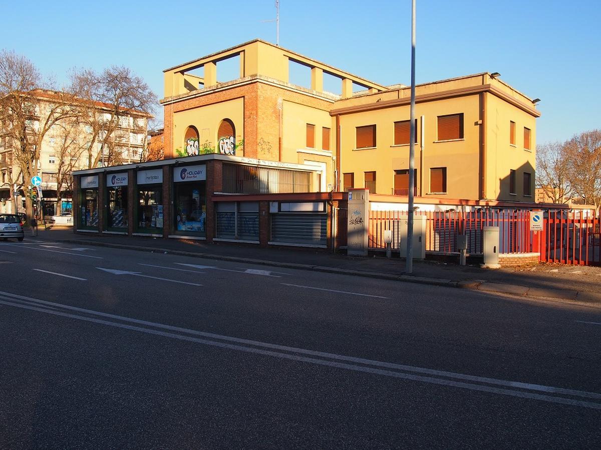 Verona, intero palazzetto in vendita - 2
