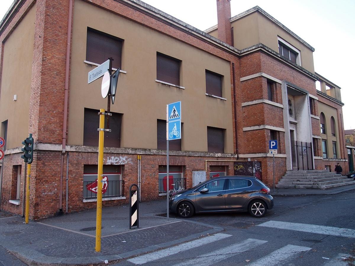 Verona, intero palazzetto in vendita - 4