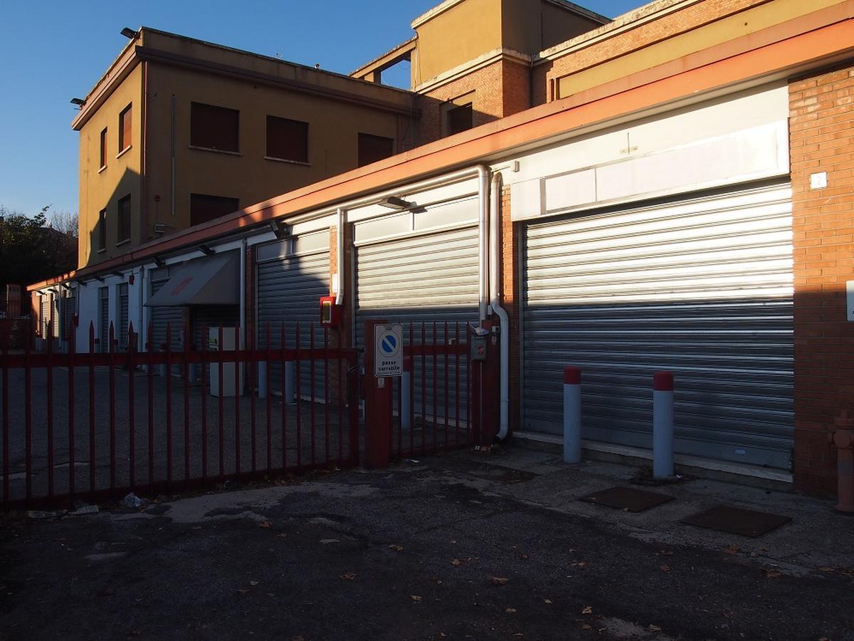 Verona, intero palazzetto in vendita - 7