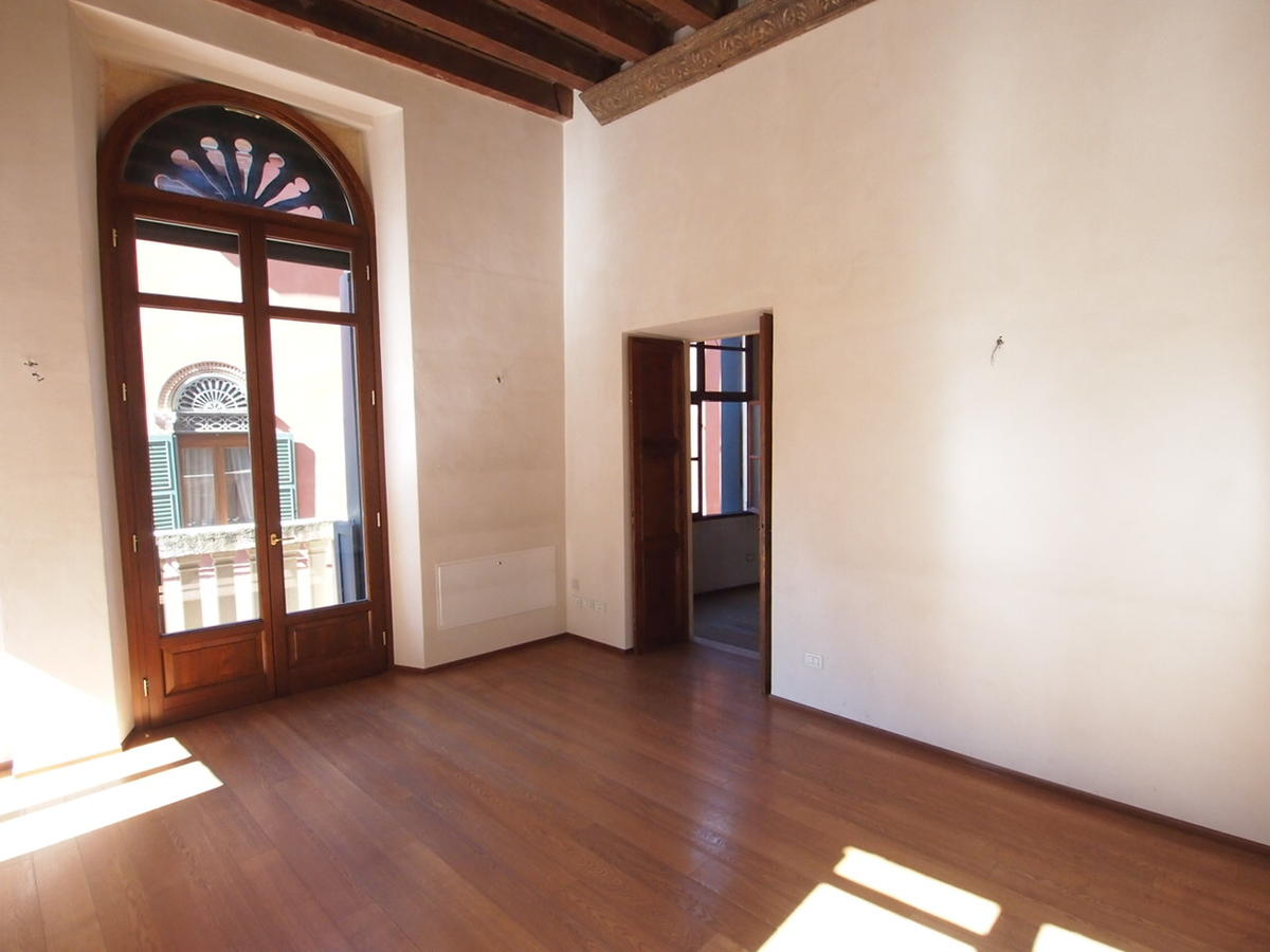 Verona, ampio appartamento in affitto - 1