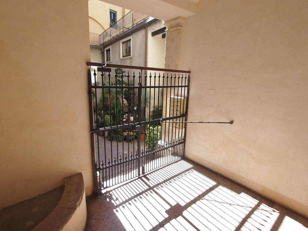 Verona, ampio appartamento in affitto - 16