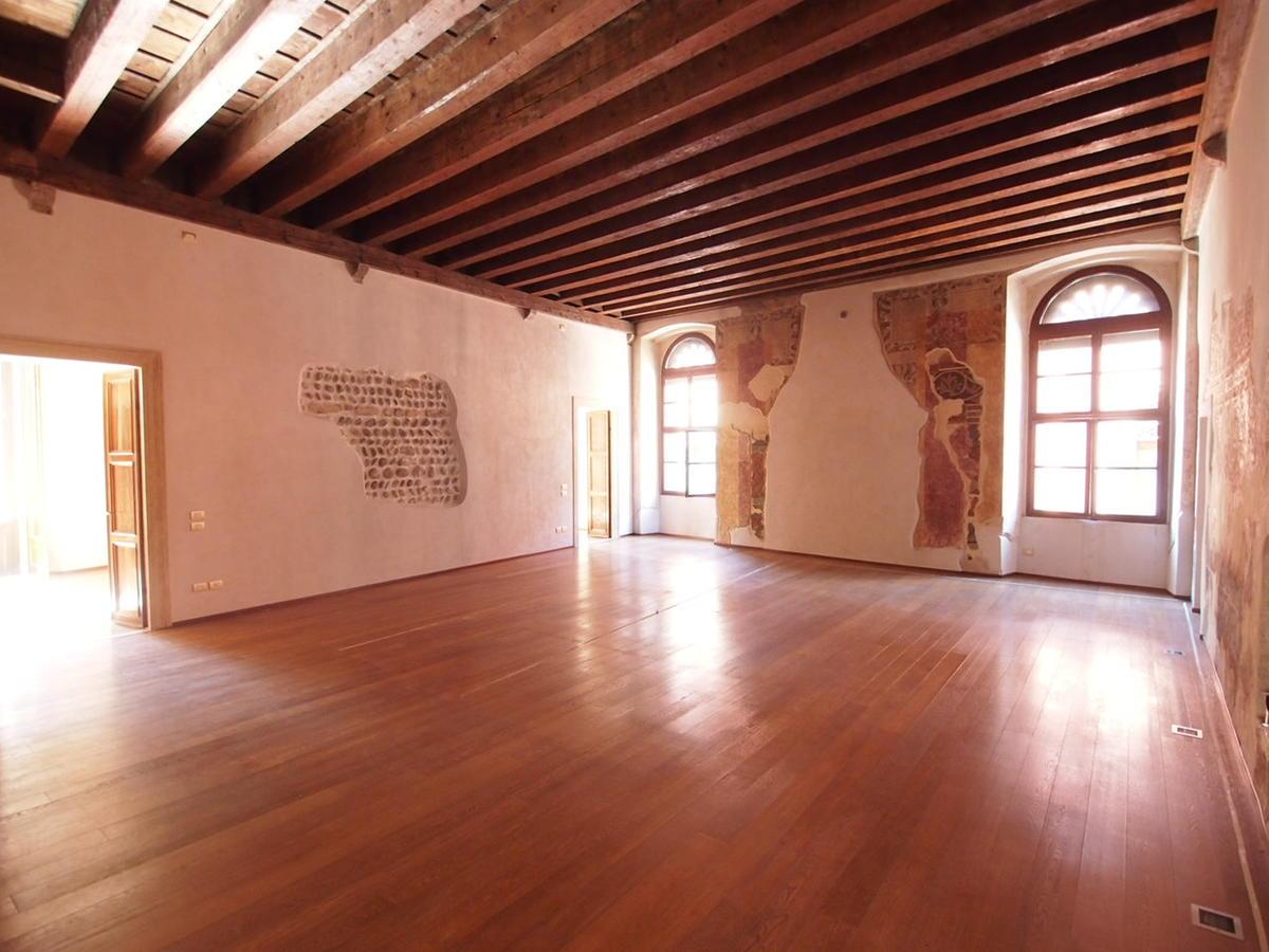 Verona, ampio appartamento in affitto - 21