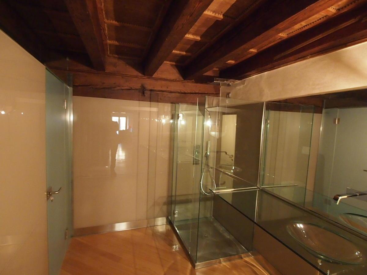 trilocale arredato con finiture di lusso in centro Verona  - 10