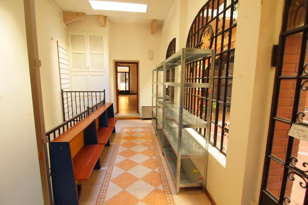 Negozio, in affitto in centro a Verona - 2