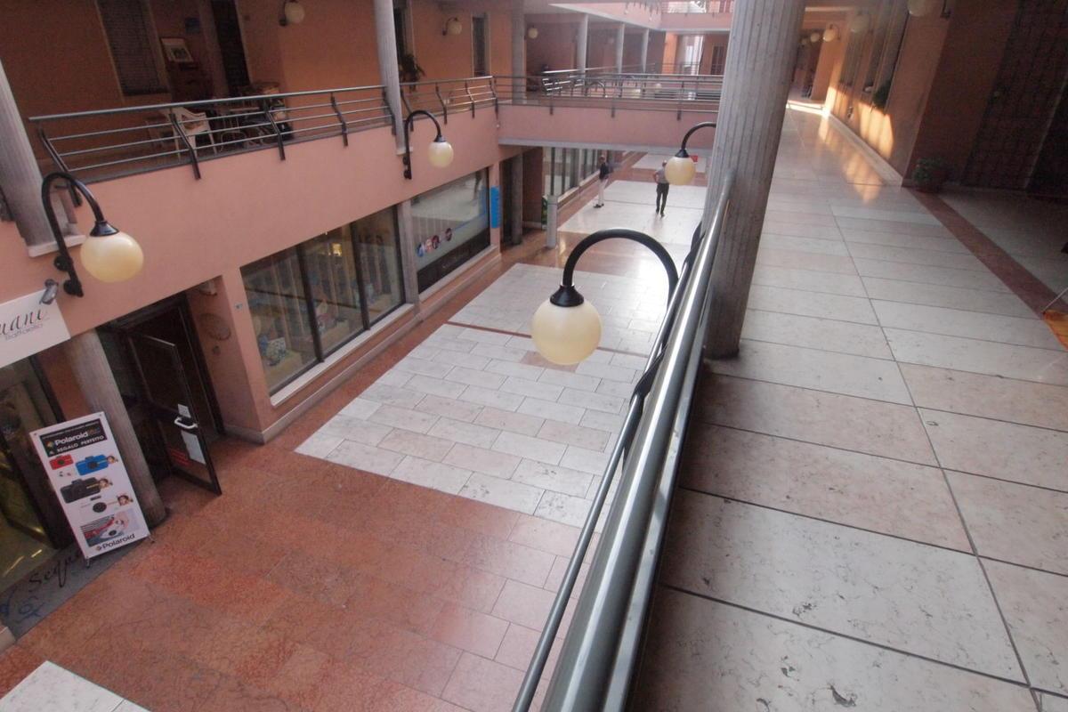 PESCANTINA, al piano 1° appartamento ben tenuto - 1