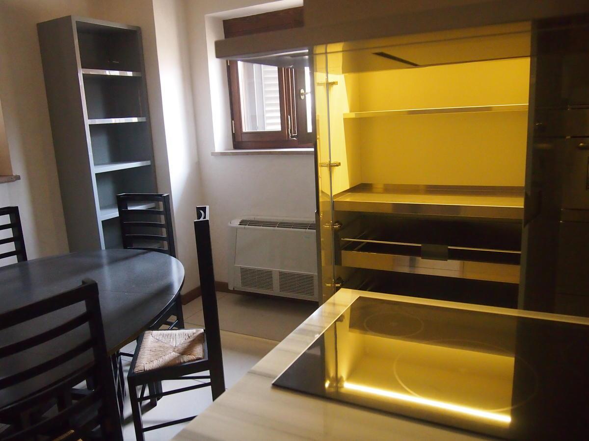 Verona, centro storico, appartamento con due camere in affitto - 5