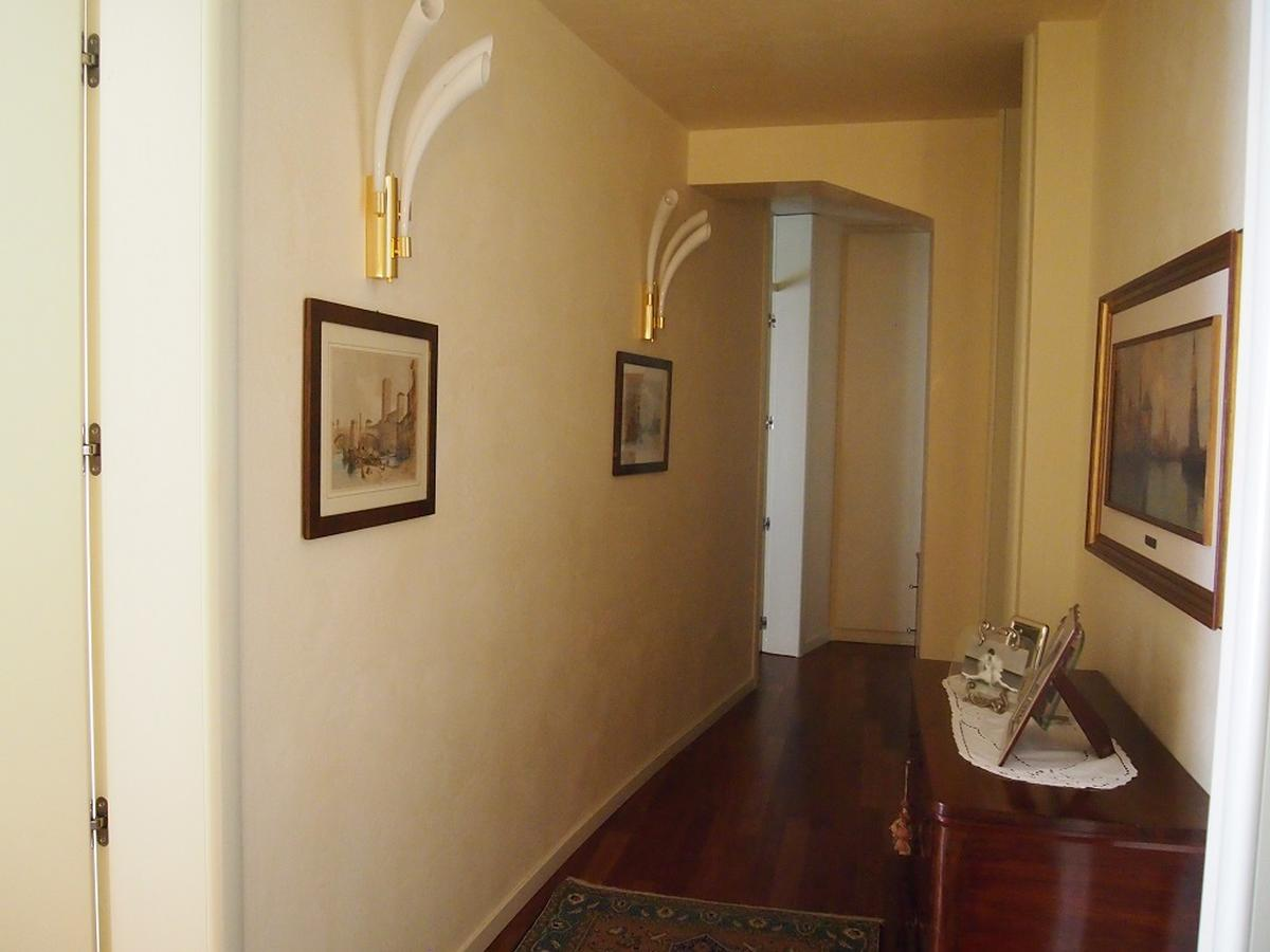 Verona, centro storico ampio appartamento - 8