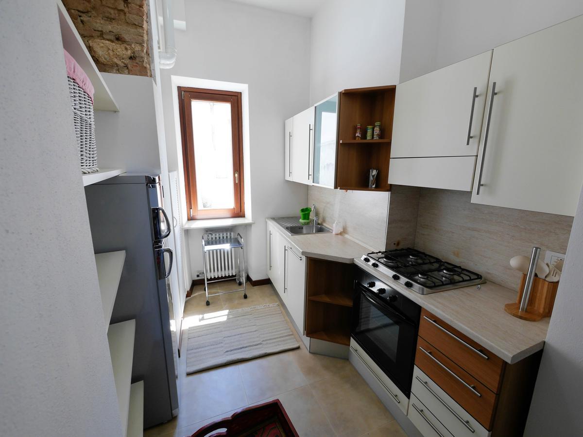 Ampio bilocale arredato in affitto in centro a Verona - 3