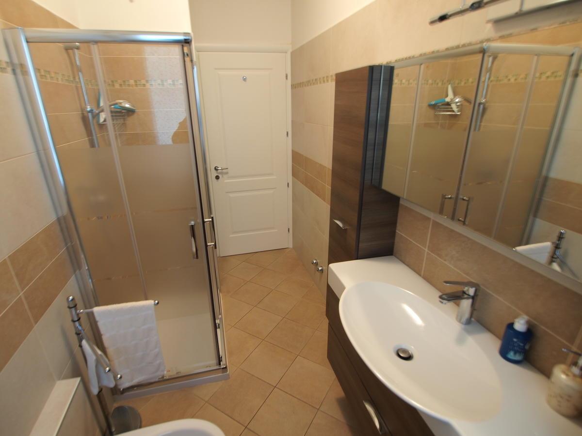 Verona, appartamento con due camere in affitto - 11
