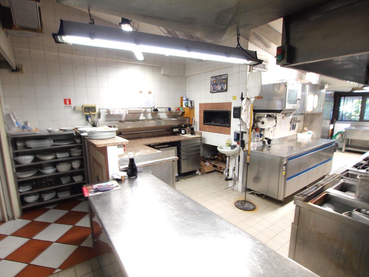 Sirmione, attività di ristorante e pizzeria in vendita - 2