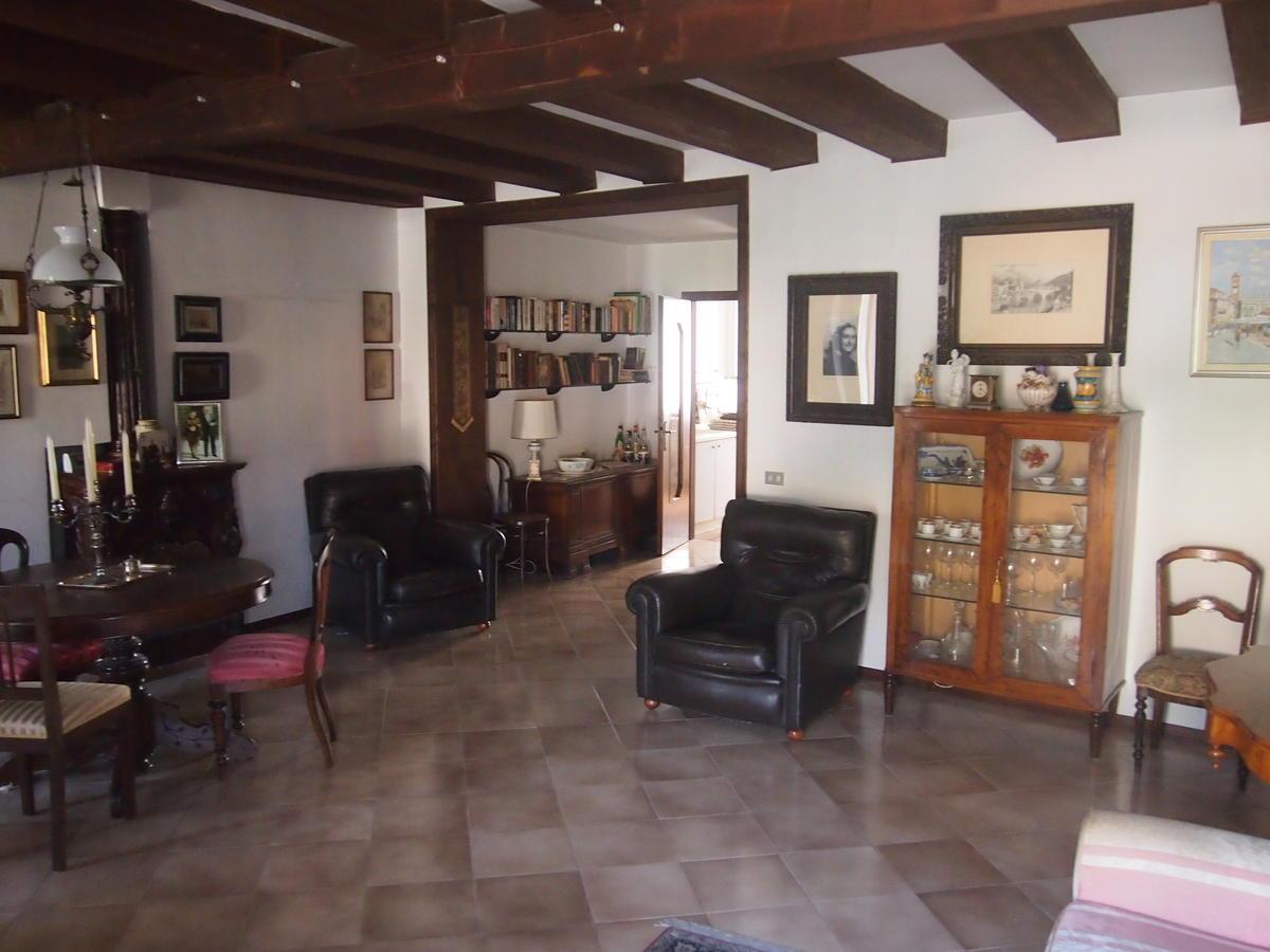 Verona, Ponte Pietra, appartamento in vendita fronte Adige - 20