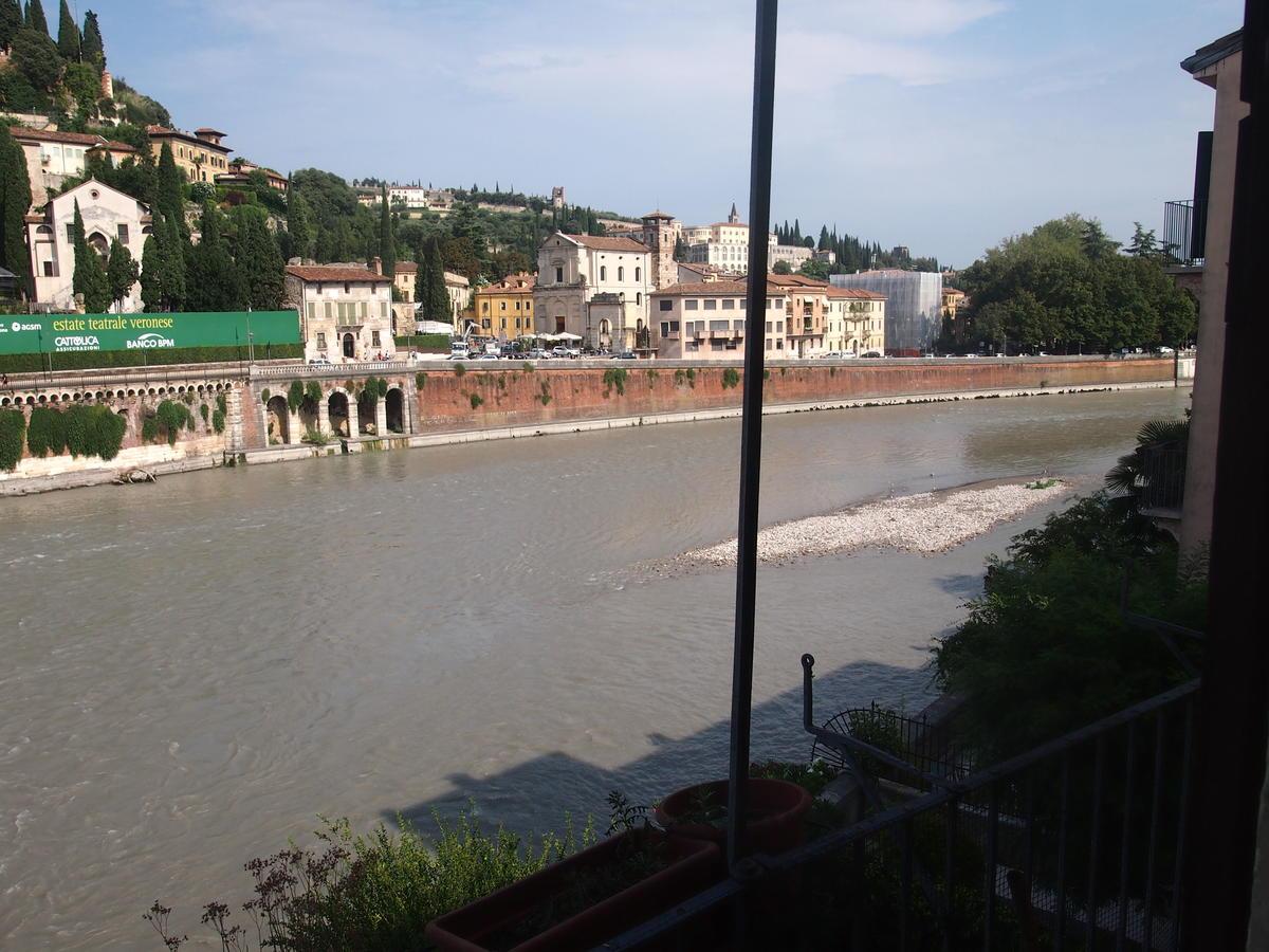 Verona, Ponte Pietra, appartamento in vendita fronte Adige - 4