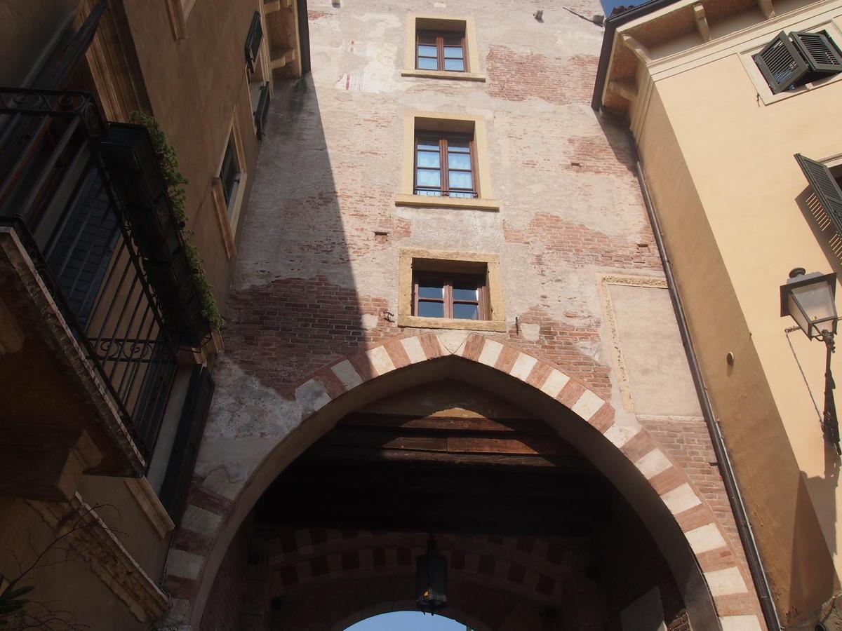 Verona, Ponte Pietra, appartamento in vendita fronte Adige - 10