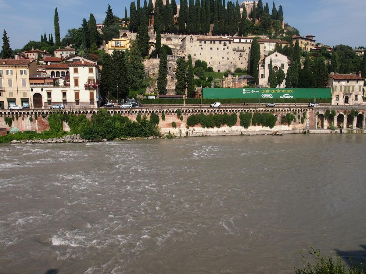 Verona, Ponte Pietra, appartamento in vendita fronte Adige - 5