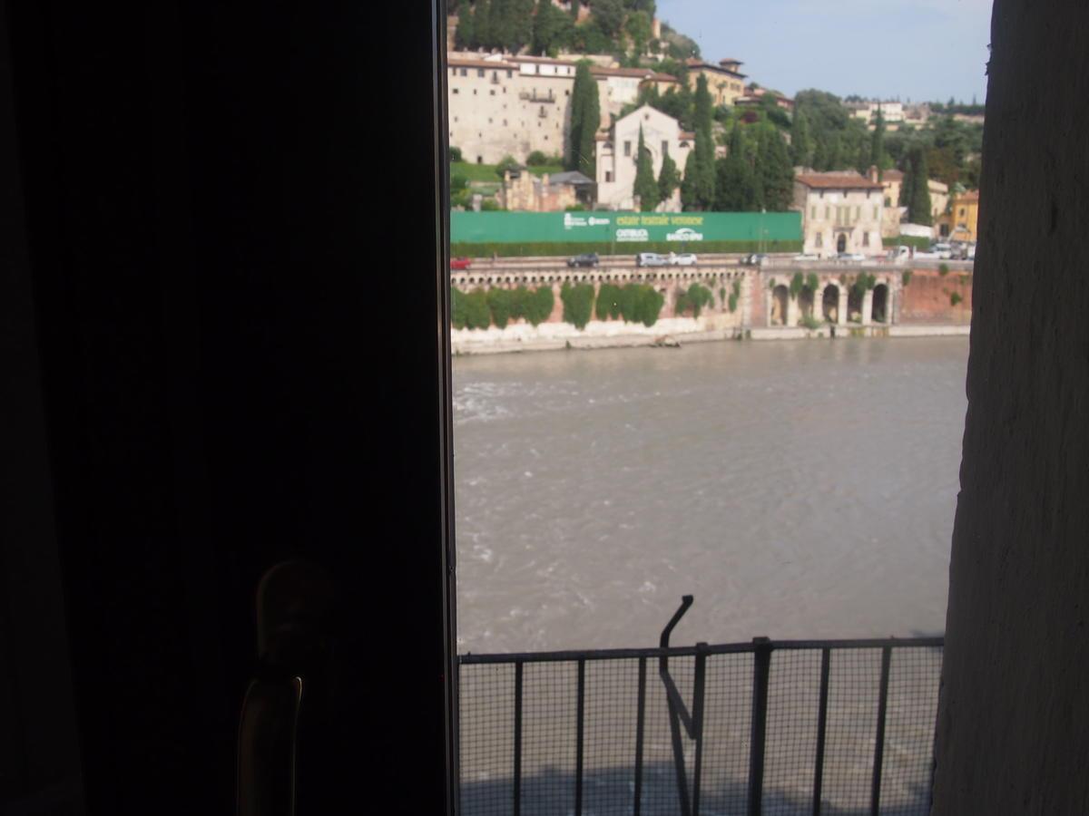 Verona, Ponte Pietra, appartamento in vendita fronte Adige - 6