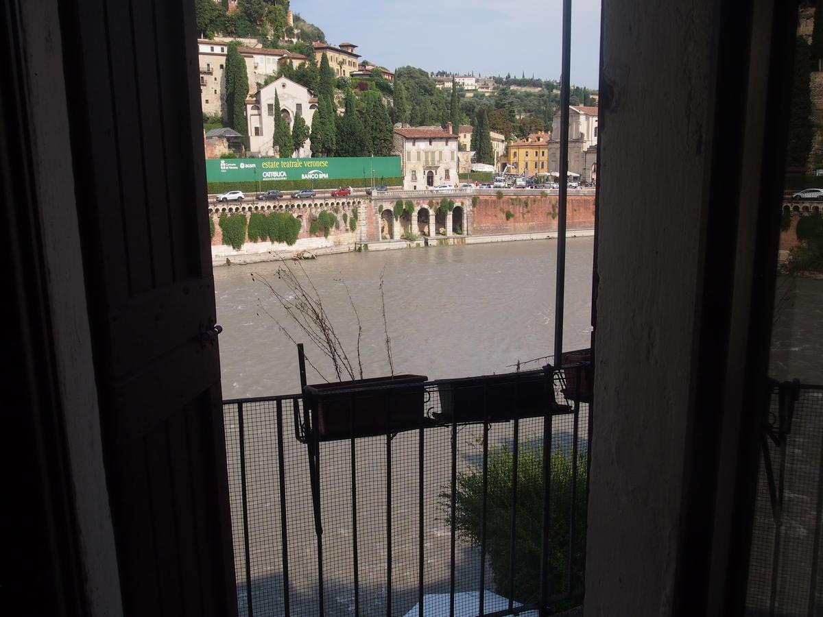 Verona, Ponte Pietra, appartamento in vendita fronte Adige - 8