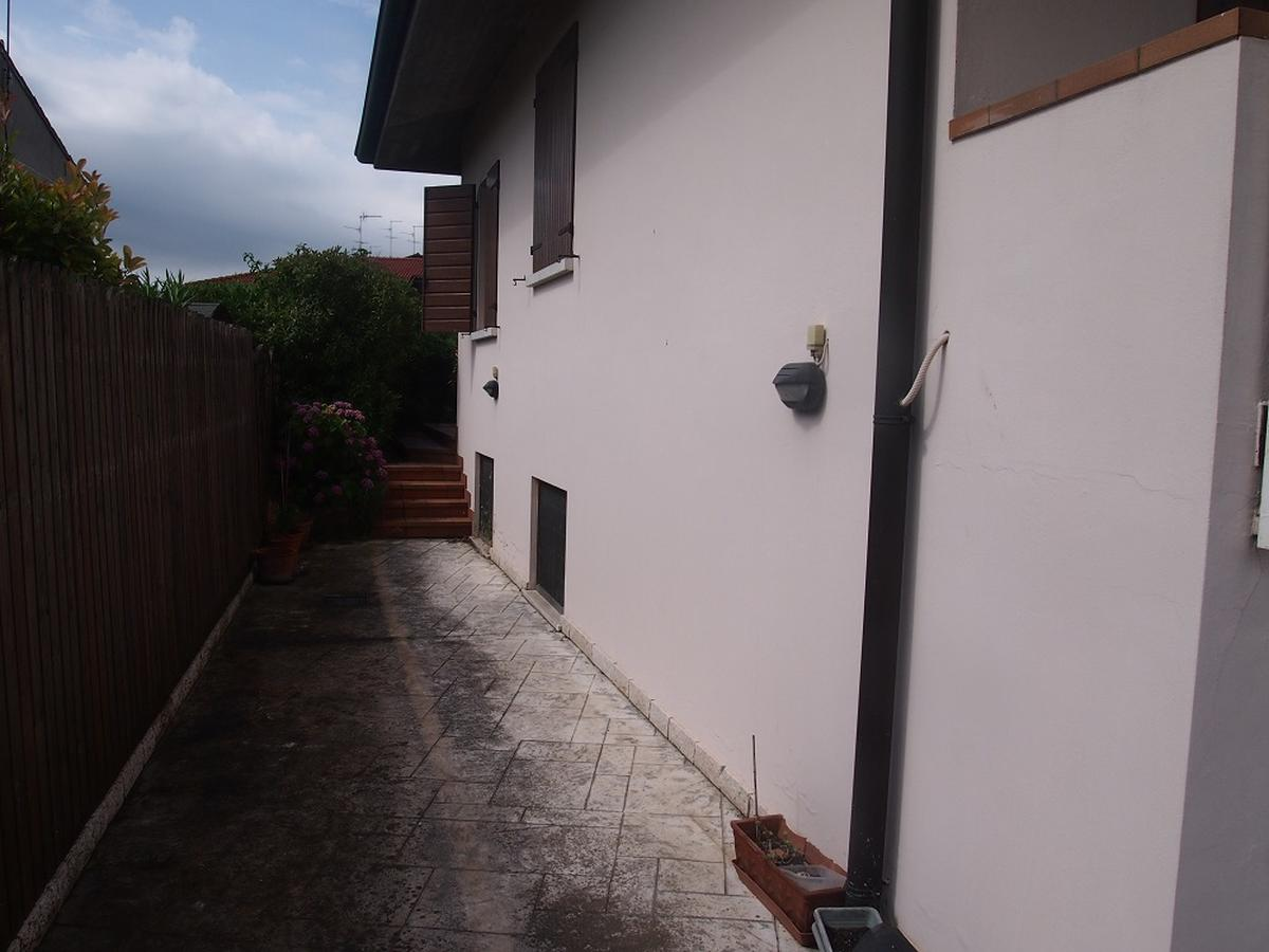 LEGNAGO, VIA ALMERINI, 66, ampia villa singola con piscina - 10
