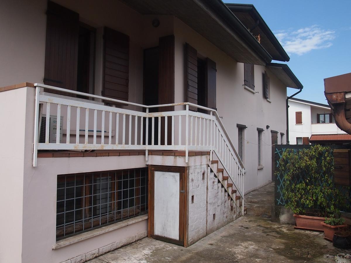 LEGNAGO, VIA ALMERINI, 66, ampia villa singola con piscina - 12
