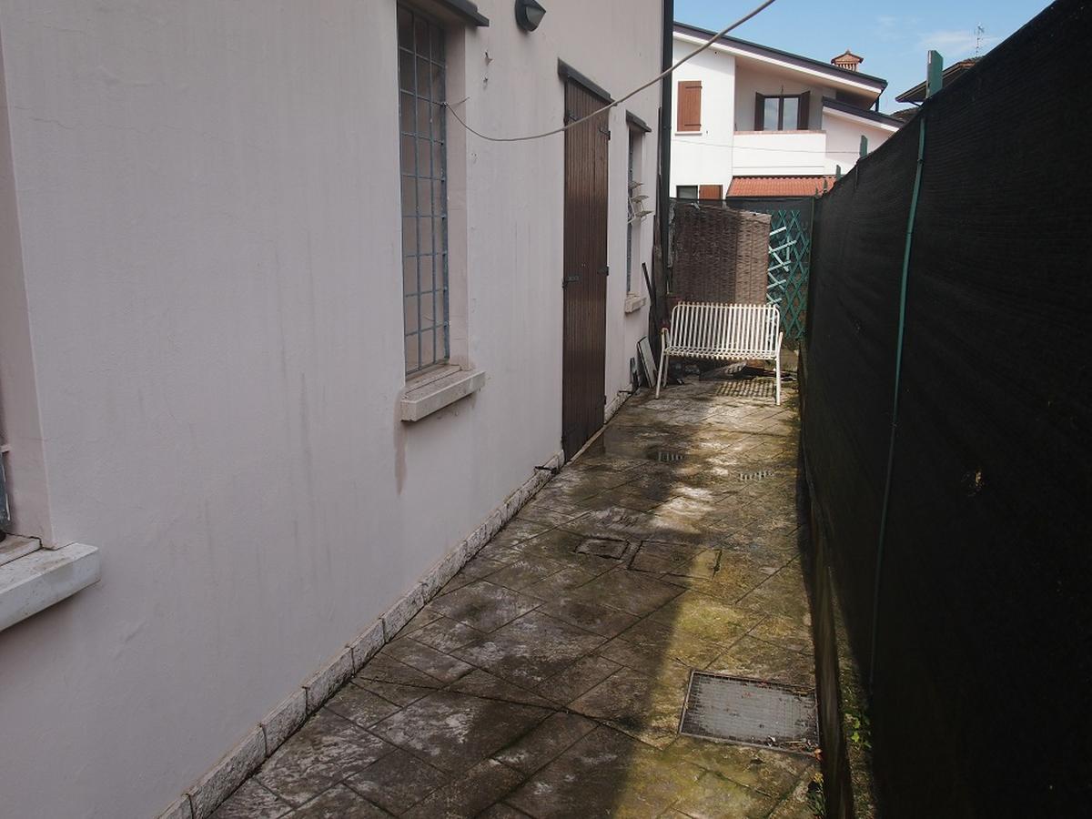 LEGNAGO, VIA ALMERINI, 66, ampia villa singola con piscina - 17