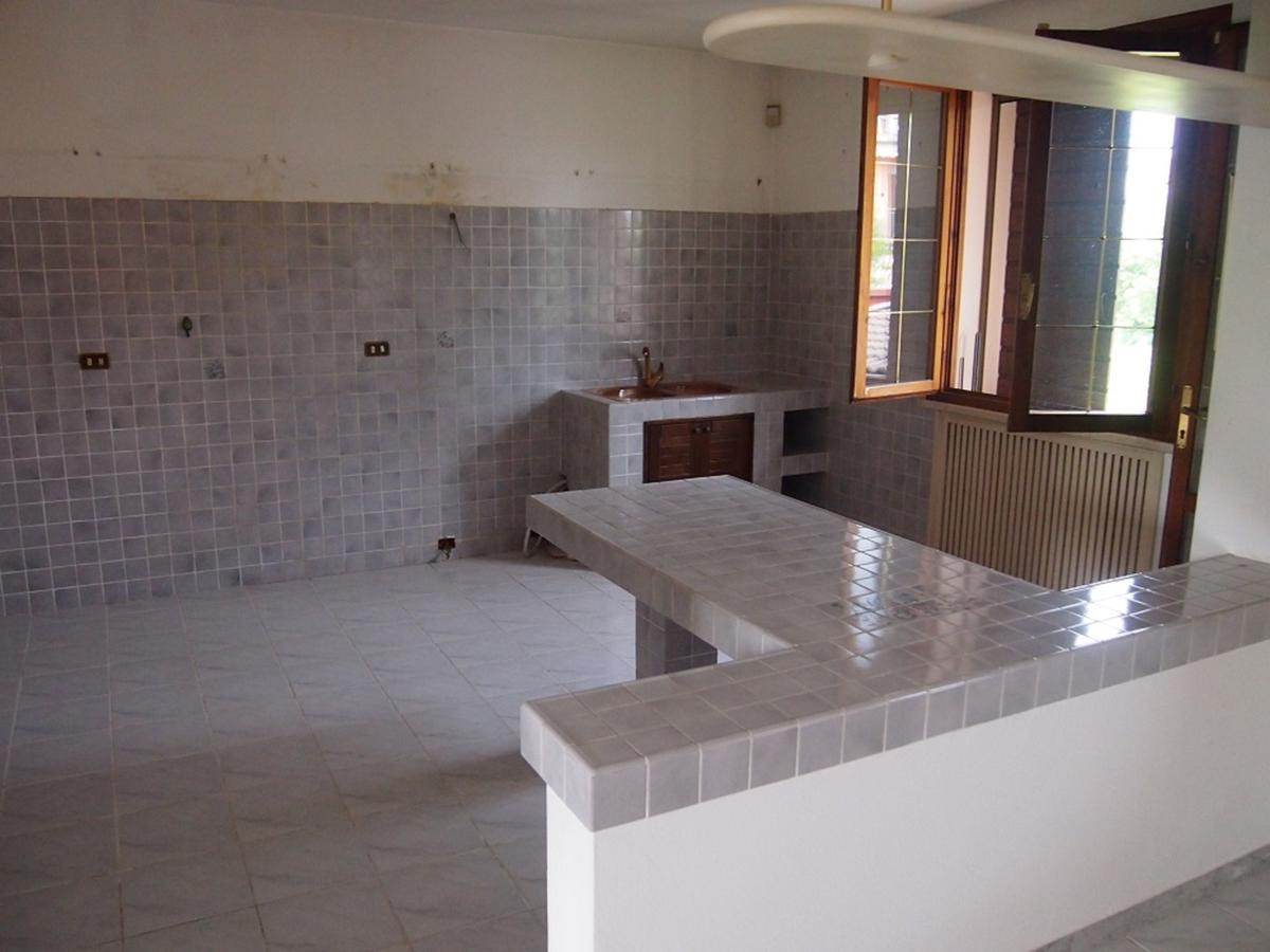 LEGNAGO, VIA ALMERINI, 66, ampia villa singola con piscina - 37