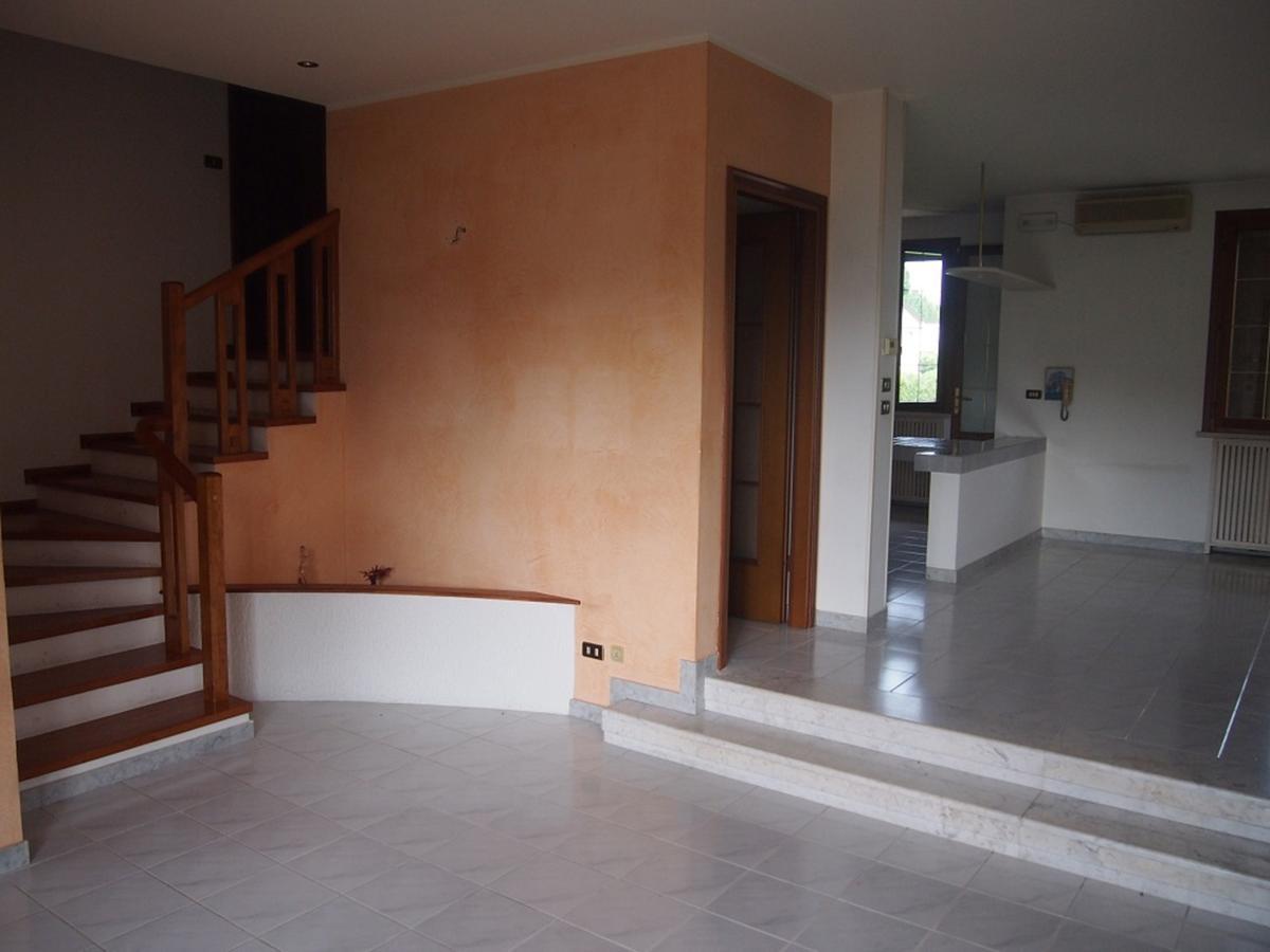 LEGNAGO, VIA ALMERINI, 66, ampia villa singola con piscina - 42