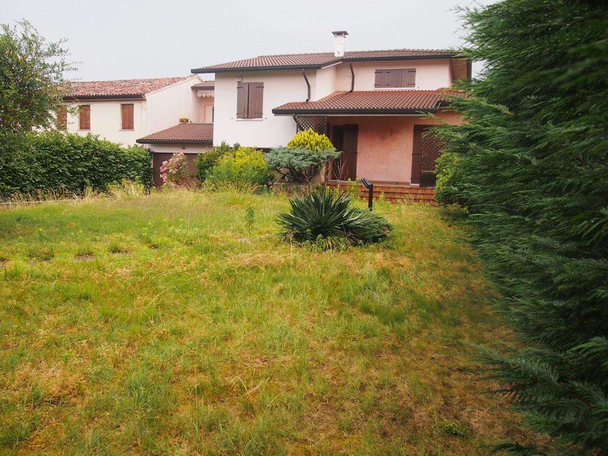 LEGNAGO, VIA ALMERINI, 66, ampia villa singola con piscina - 48