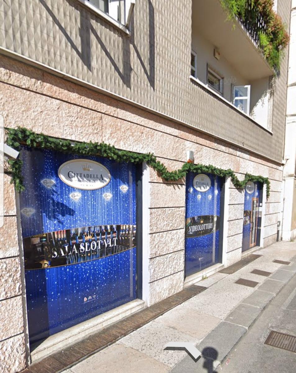 Verona, Piazza Cittadella, negozio in affitto - 0