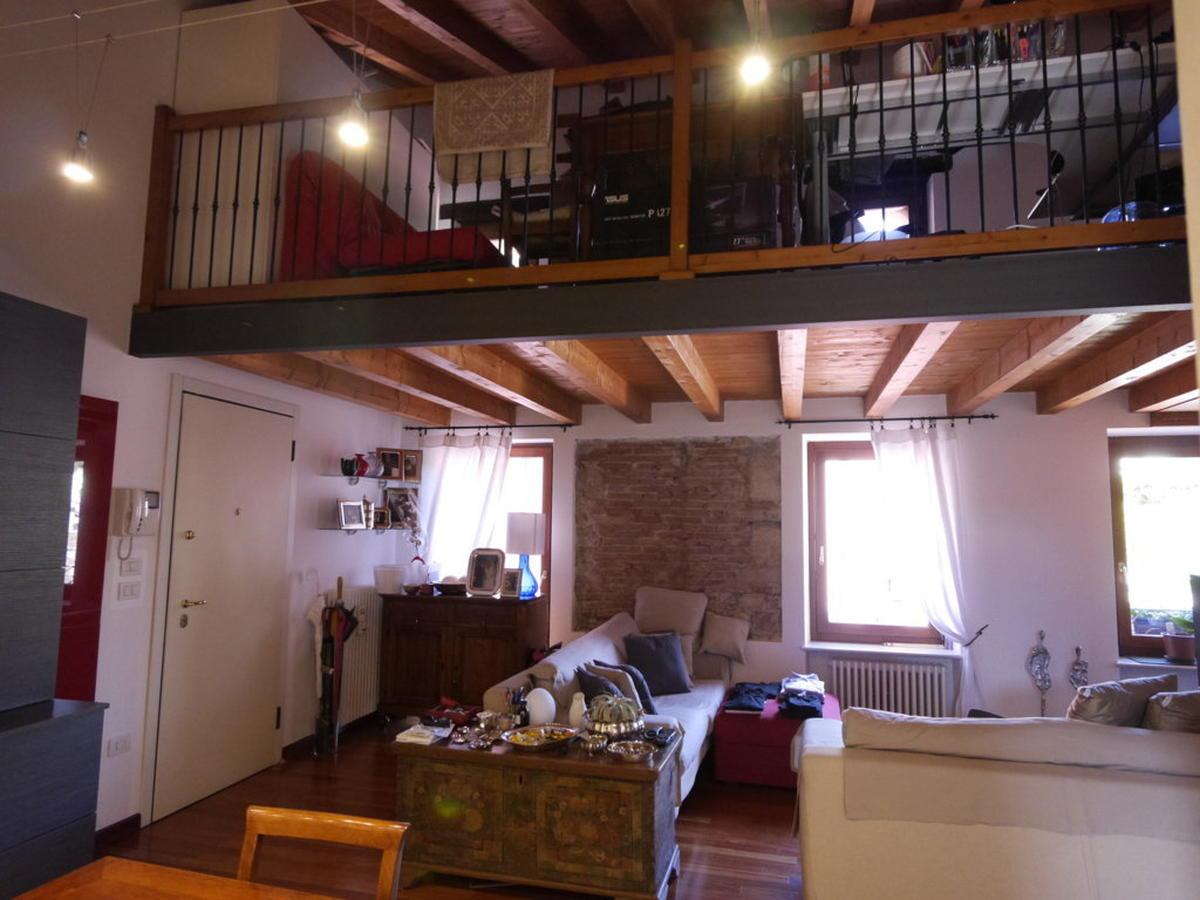 Verona, ampio bilocale con soppalco in affitto - 0
