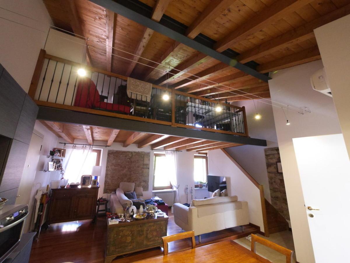 Verona, ampio bilocale con soppalco in affitto - 2