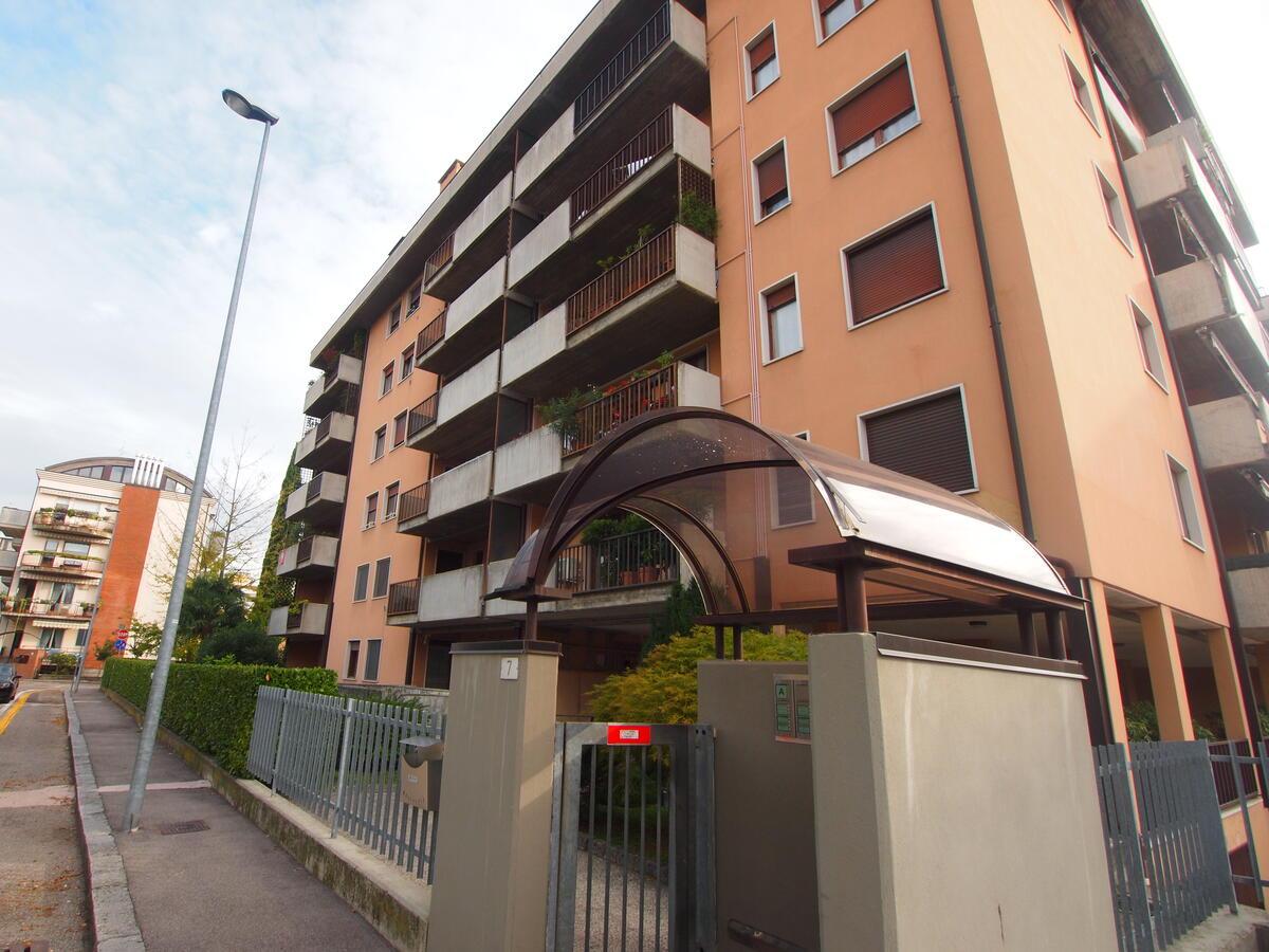 Borgo Milano, via Zorzi, ultimo piano, meraviglioso - 0
