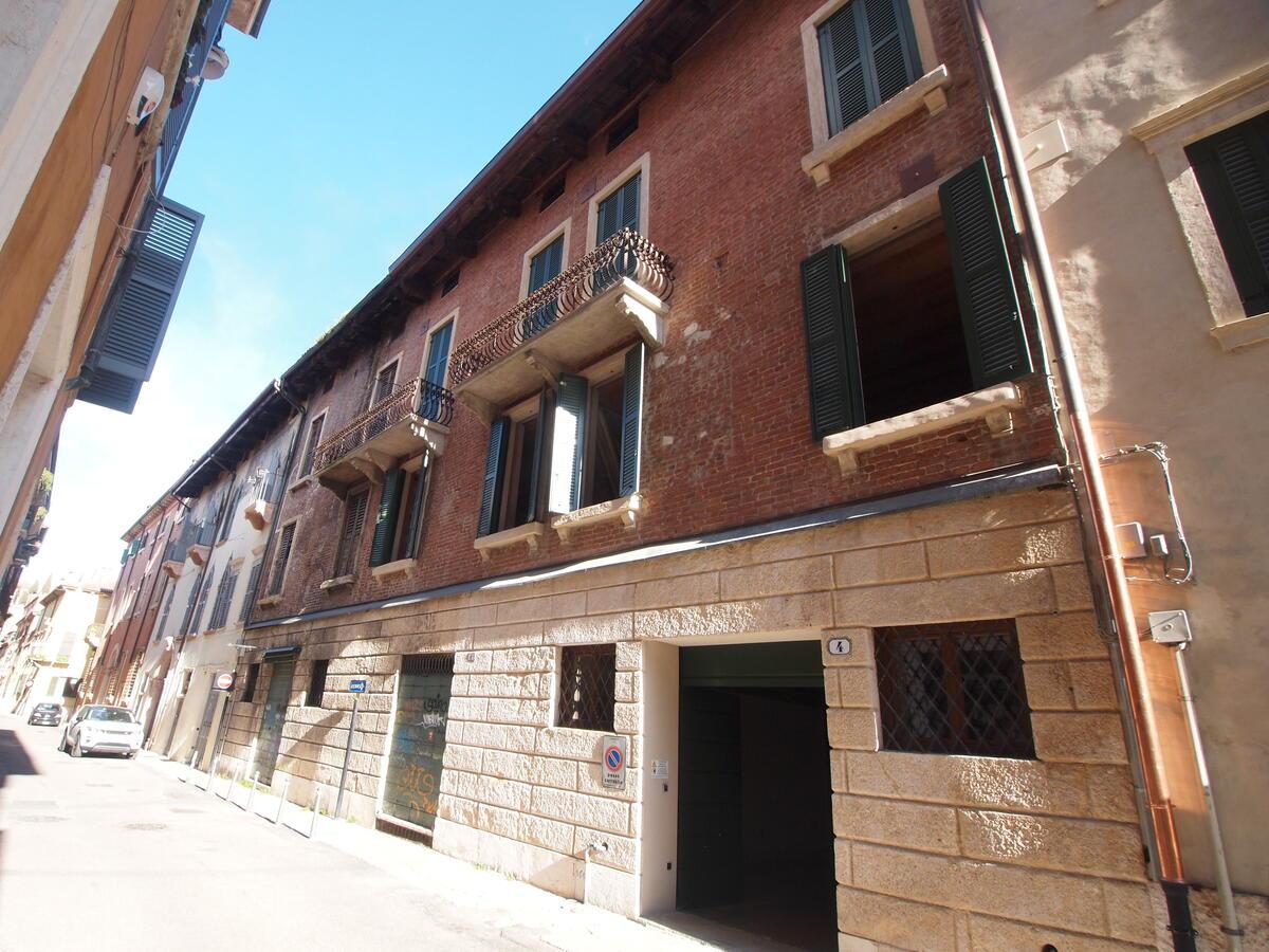 Zona Duomo, contesto di pregio accuratamente restaurato - 11