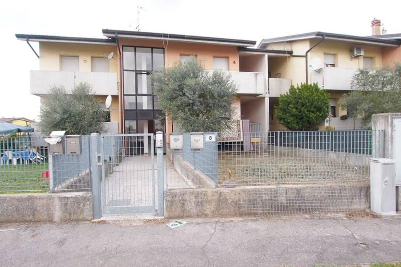 Gabetti - Agenzia Immobiliare Verona - Bonavigo in contesto di sole 4 unità trilocale con giardino privato