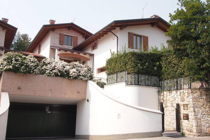 villa singola a Negrar
